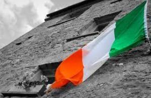 Флаг Ирландии и италии