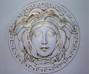 Медуза Горгона - эмблема Джанни Версаче