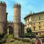Древние ворота в Генуе