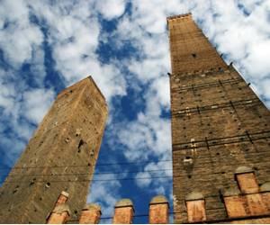 Две башни достопримечательность в Болонье