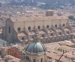 Basilica di San Petronio - достопримечательность Болоньи
