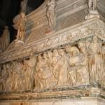 Саркофаг с мощами святого Доменика