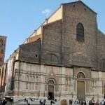 Внешний вид базилики святого Петрония