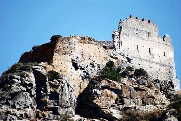Замок Аквафредда в Сардинии