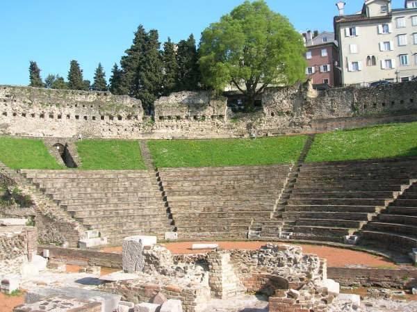 Римский театр в Вероне