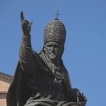 Статуя Папы Римского Павла V в Римини