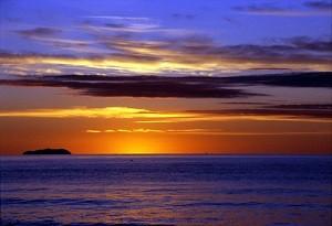 Закат на пляже Тосканы