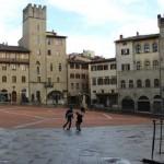 Пьяцца-Гранде в городеАреццо (Тоскана)