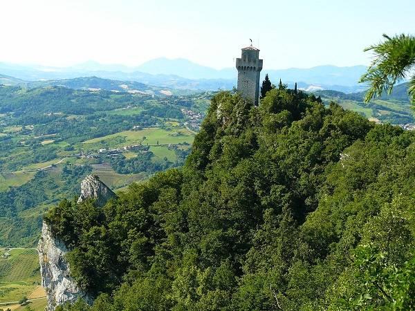 Фото башни Монтале в Сан-Марино